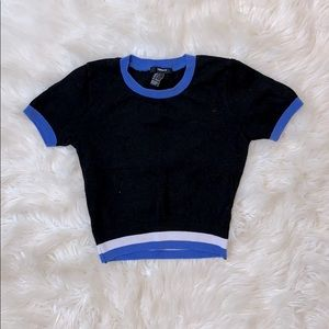 Forever 21 black crop top with blue trim small